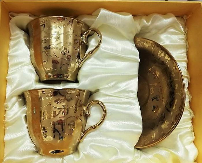 Златен комплект за кафе и чай