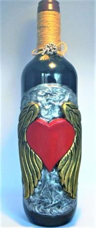 снимка на Бутилка вино със сърце