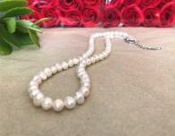 снимка на Колие класик от бели перли