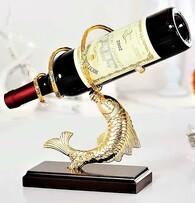 Поставка за бутилка Златна риба