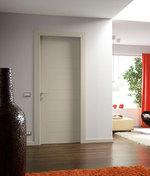 снимка на фрезовани интериорни врати МДФ бял мат по поръчка